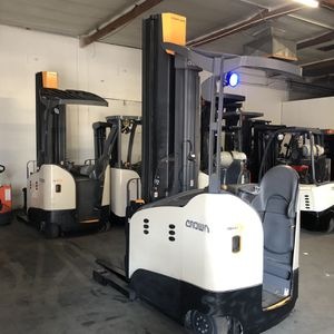2017 RM Reach Truck Forklift for Sale in Claremont, CA