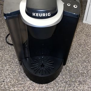 Keurig K-Classic K50 Coffee Maker Black for Sale in Las Vegas, NV