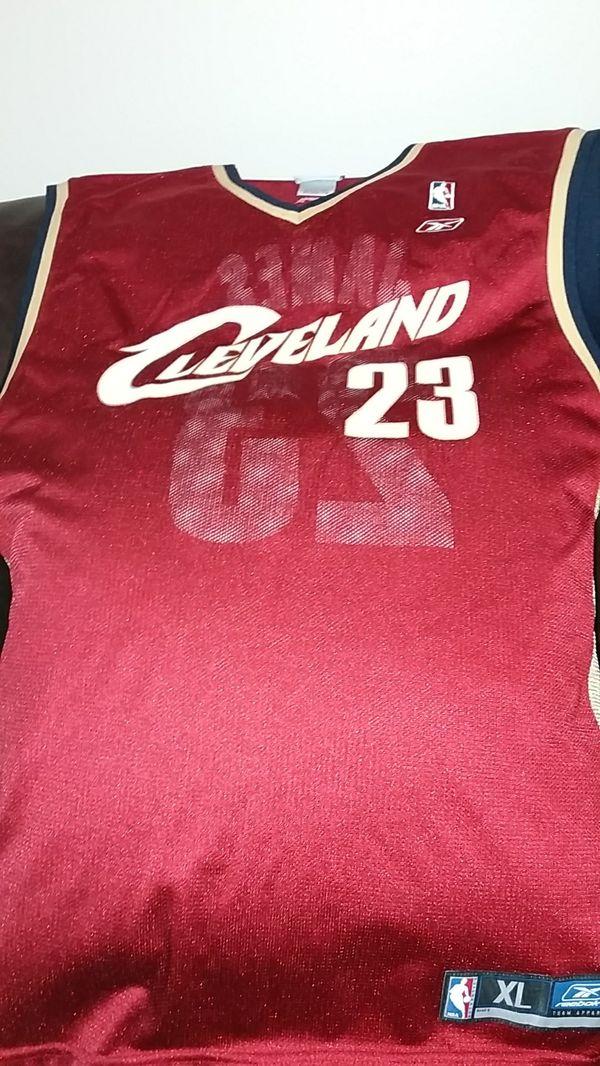 LaBron James Cleveland Cavs jersey
