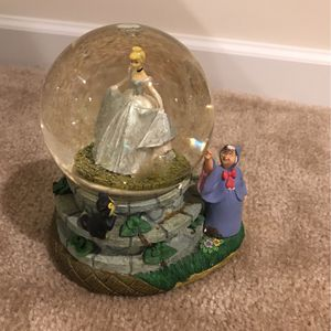 Disney CINDERELLA Water Globe READ DESCRIPTION!!! for Sale in Plainfield, IL