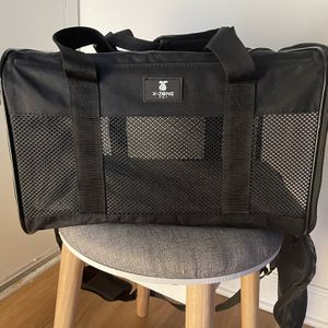Small Dog/Cat Carrier for Sale in Alexandria, VA