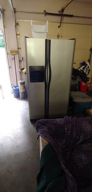 Frigid air refrigerator for Sale in Monroe, WA