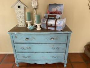 Antique shabby chic blue dresser for Sale in Lake Forest, CA