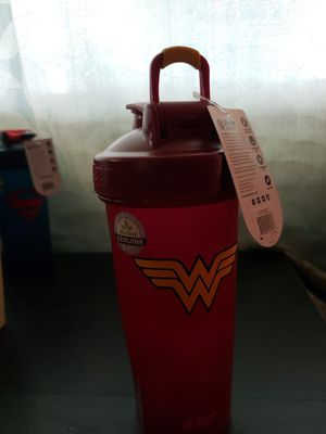 Wonder Woman blender bottle for Sale in Fresno, CA