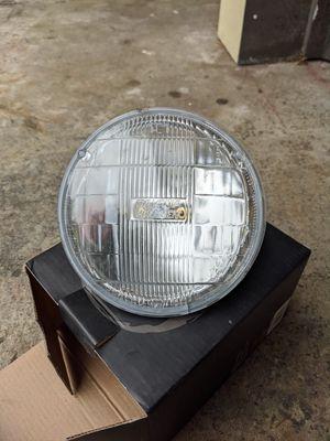 Sylvania 5.75 halogen headlight for Sale in Mountlake Terrace, WA