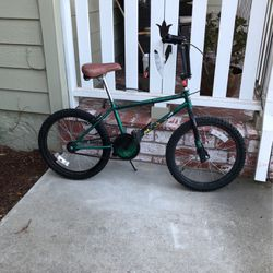 Green Bike For Kids for Sale in Los Gatos,  CA