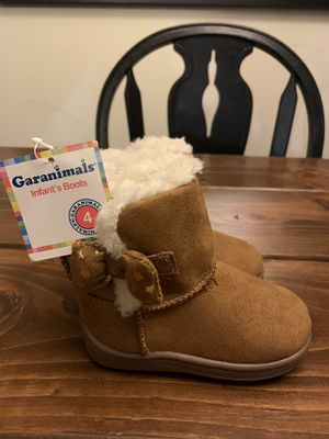 Baby Girl Snow Boots Size 4 for Sale in Seattle, WA