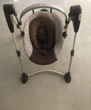 Graco BABY swing for Sale in Scottsdale, AZ