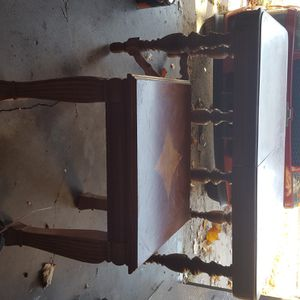 Dinning table and end table for Sale in Wichita, KS