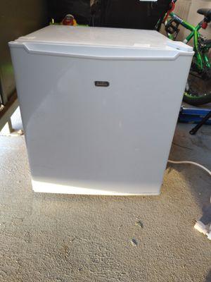 Mini refrigerator for Sale in Stockton, CA