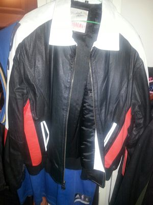 Lather riding jacket size large like new for Sale in Glen Burnie, MD