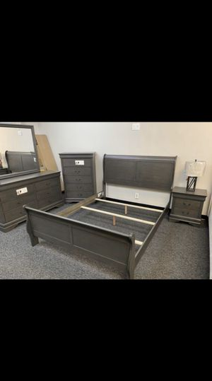 Queen size bedroom set 5pcs brand new in box for Sale in Phoenix, AZ