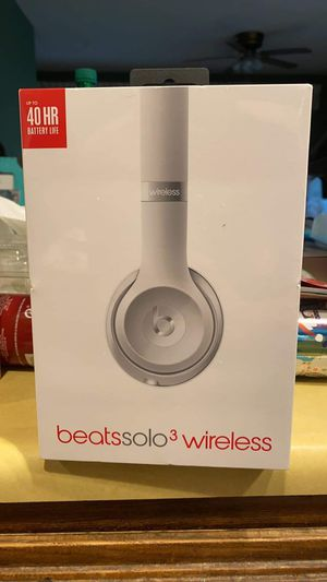 Brand new Beats Solo 3 for Sale in Rancho Cucamonga, CA