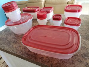 30 Rubbermaid food containers for Sale in Pembroke Pines, FL
