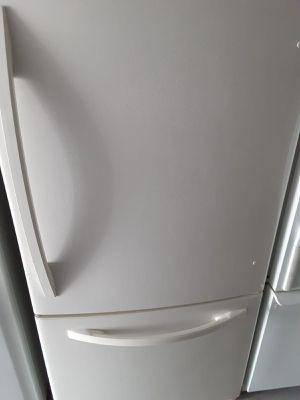 Kenmore botton freezer for Sale in Houston, TX