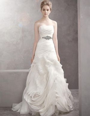NWT Vera Wang wedding dress for Sale in Florence, TX