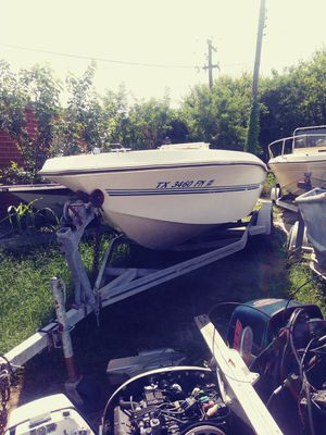 BOAT FOR SALE 1000$ SOLID HULL NO SOFT SPOTS for Sale in OLD RVR-WNFRE, TX