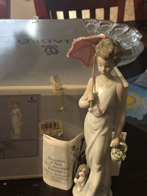 Vintage Lladro figurine of woman with puppy and flowers for Sale in Cedar Park, TX