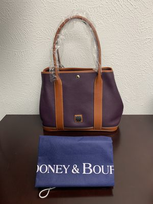Dooney & Bourke Pebble Grain Leather Layla Tote Brand New w/ Tag. Great for Valentine's gift. for Sale in Grand Prairie, TX