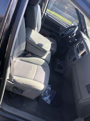 Dodge ram 2008 con 111500 millas $6000. Salvaje for Sale in Bell, CA