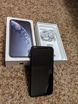 iPhone XR for Sale in Colorado Springs, CO