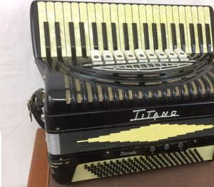 Titano Accordion (acordeón) for Sale in Fresno, CA
