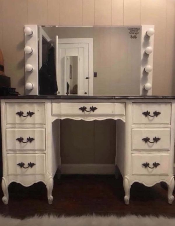 Large lighted makeup mirror (vanity NOT included!)