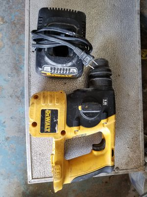DEWALT.. ROTARY HAMMER 18V with charger... no battery for Sale in Fort Lauderdale, FL