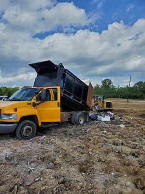 2002 GMC C4500 Dump Truck for Sale in BRECKNRDG HLS, MO