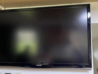 Sharp Aquos 52 inch LC-52D64U with Remote Control. ( it's Not A SmartTV ) for Sale in Vancouver,  WA
