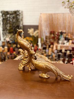 """Vintage gold Peacock decor $60 firm """"NO HOLDING """" for Sale in Glendale, AZ"""