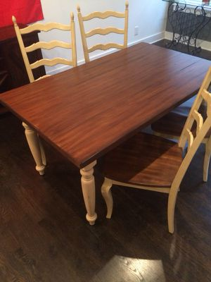 Like new kitchen table and chairs for Sale in Nashville, TN