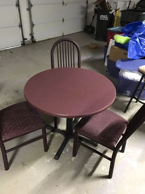 Breakfast table with 3 chairs for Sale in Elk Grove Village, IL