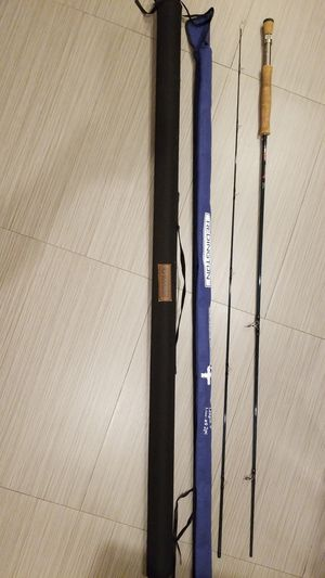 Redington Crosswater 9WT / 2pc 9' Fishing Fly Rod w/ Rod tube and sock. Excellent condition for Sale in GARDEN CITY P, NY