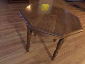 Solid wood end table. Hexagonal. Excellent condition for Sale in Phoenix, AZ