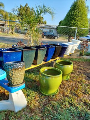 Flower/Plant Pots for Sale in Bloomington, CA