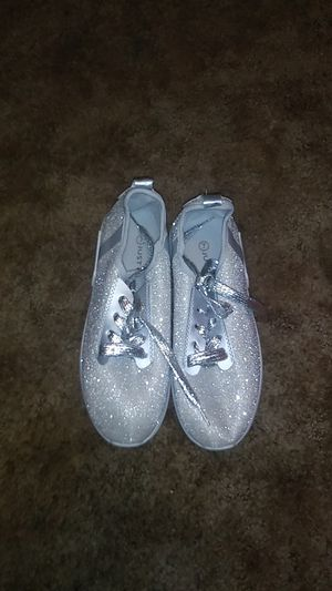 Sparkly grey casual Shoe for Sale in Warren Air Force Base, WY