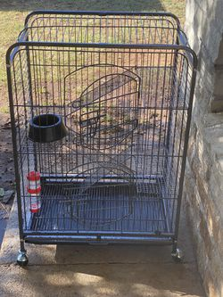 Small animal cage ,, nearly new $60 for Sale in San Angelo,  TX