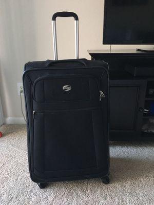 "American Tourister 28"" Spinner Suitcase Black for Sale in Ashburn, VA"