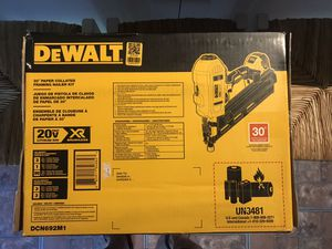 """DEWALT. 30"""" Paper collated framing nailer kit will negotiate. for Sale in Dallas, TX"""