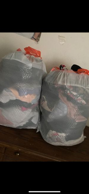 Bundle bags of clothes + Shoes [ brandy Melville Nike forever 21 Macy's and more for Sale in Imperial Beach, CA