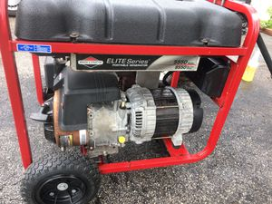 MUST SEE GENERATOR- 8550 Starting Watts [Brand: Briggs & Stratton] WORKS GOOD/ 475 OR BEST OFFER (NO LOWBALL OFFERS) for Sale in Miami, FL