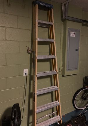 8 foot ladder for Sale in Poinciana, FL