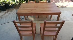 Dinning table with 4 chairs for Sale in Covina, CA