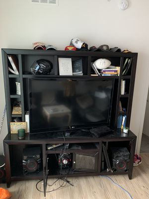 Tv Stand / book shelf for Sale in Tampa, FL
