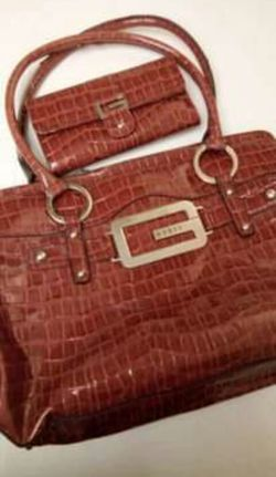 Guess Handbag And Wallet for Sale in Yucaipa,  CA
