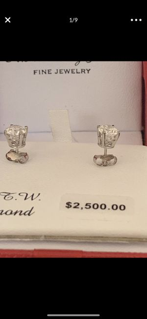 DIAMOND EARRINGS 1 CTTW NATURAL for Sale in Cerritos, CA
