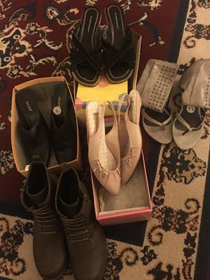 Zapatos $5 cada par for Sale in Fresno, CA
