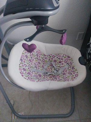 Baby gril swing $15!! for Sale in Las Vegas, NV