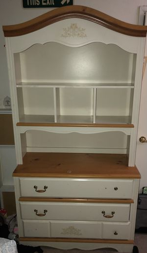 Dresser and nightstands for Sale in Fresno, CA